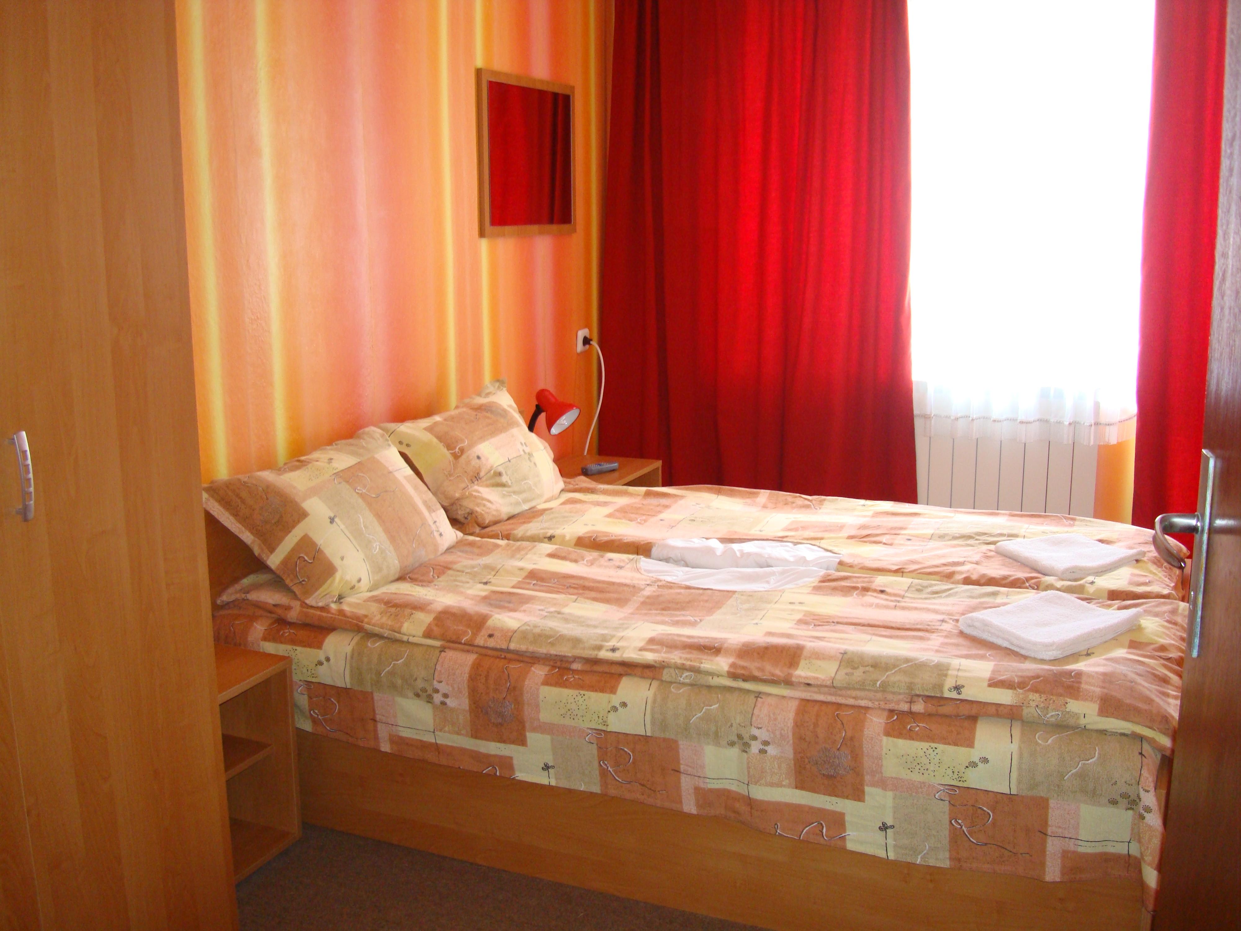 30. Спалня от АП. 2ет. легло
